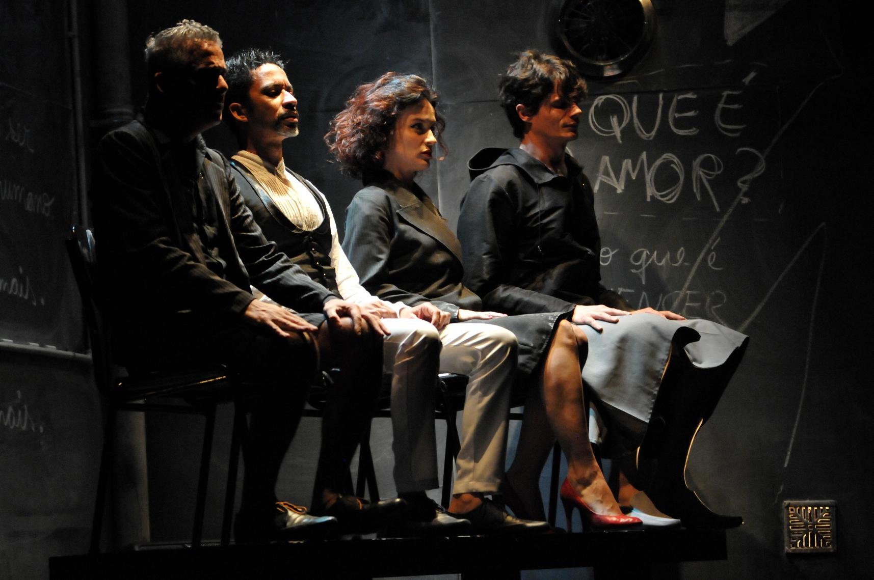 """""""Prazer"""", da Cia Luna Lunera. Foto de Paula Carvalho."""